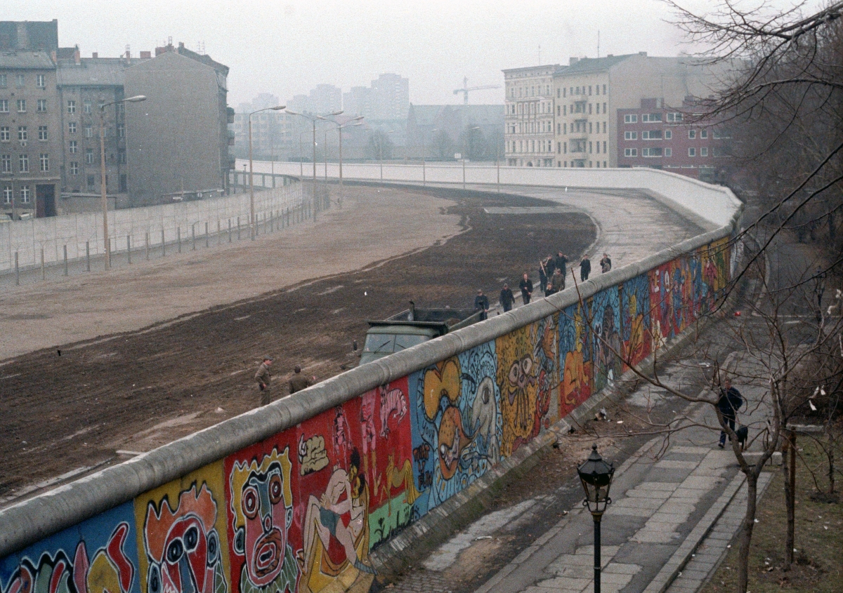 The Fall of the Berlin Wall - Photo 1 - Pictures